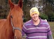 Falso veterinário é preso no Reino Unido após fazer cirurgias mal feitas para deixar os animais em terrível agonia