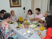 Família vegana consome 80 kg de frutas por semana em Ribeirão Preto, SP
