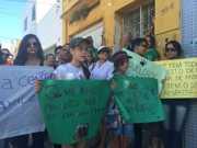 Em protesto, grupo pede punição a criminosos que envenenaram cães