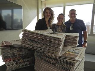 Seda arrecada mais de uma tonelada de jornais e caixas de papelão em Porto Alegre, RS