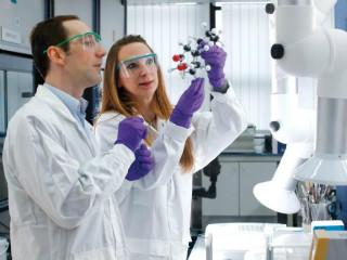 Fim dos testes em animais: L'Oreal quer 'imprimir' pele humana e testar seus produtos no material