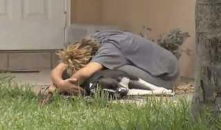 Cadela é morta brutalmente em frente às tutoras por um policial nos EUA