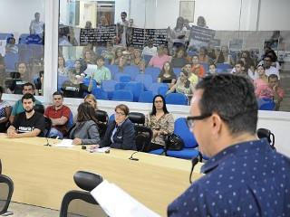 Câmara apresenta soluções para fim das carroças em Taubaté, SP