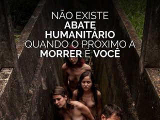 Fotógrafo vegano faz campanha com humanos em matadouro