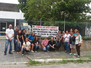 PE Madalena protestam delegado H
