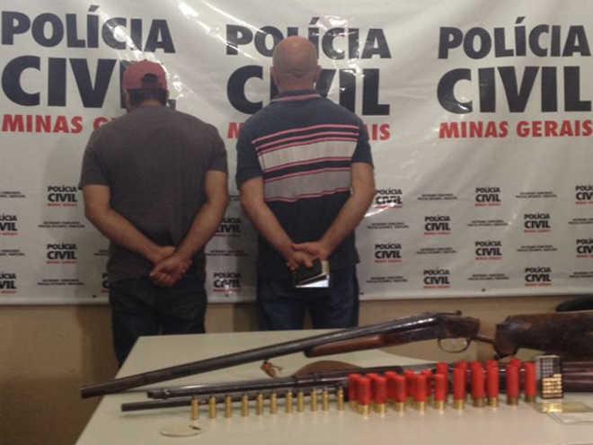 MG Uberaba dupla presa posse arma