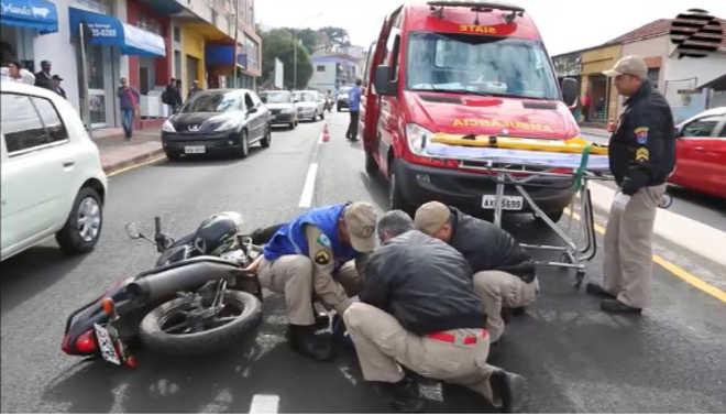 PR PontaGrossa motociclista atropela cachorro