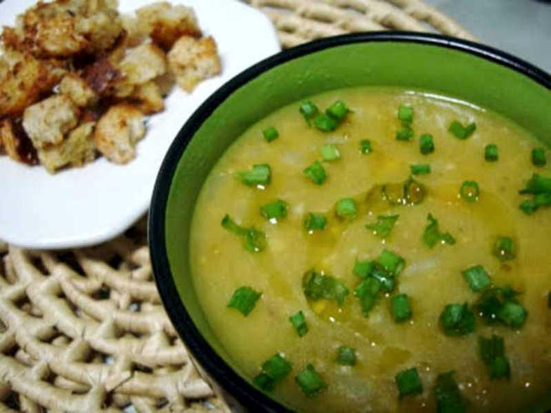 Sopa de ervilhas francesa