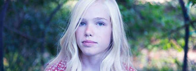 Conheça a ativista de 14 anos que faz campanha para que alimentos veganos sejam disponibilizados nas escolas de Los Angeles, EUA