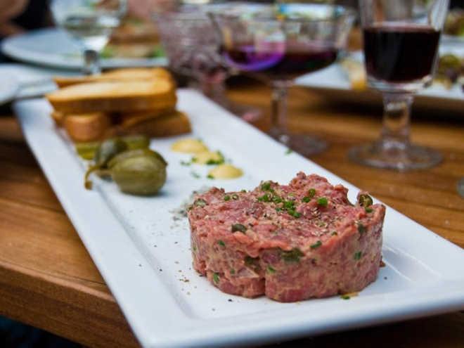 """Israelitas criam tecnologia para cultivar """"carne de verdade"""" em laboratório"""