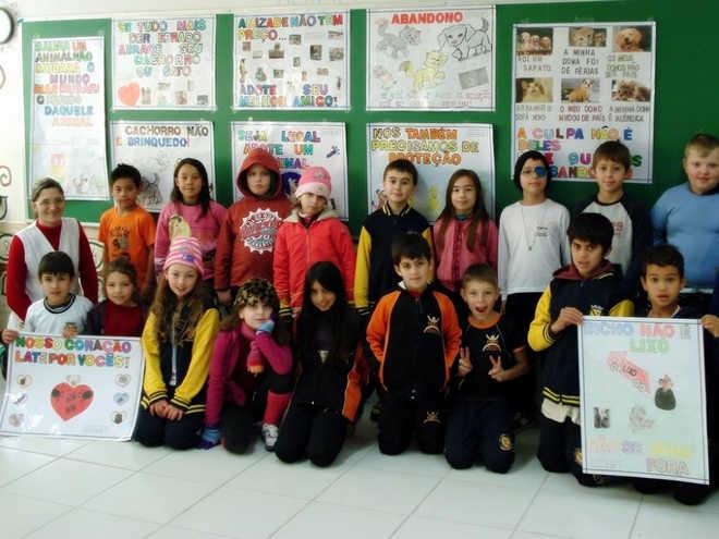 Projeto de alunos de Quitandinha (PR) é dedicado a proteção dos animais