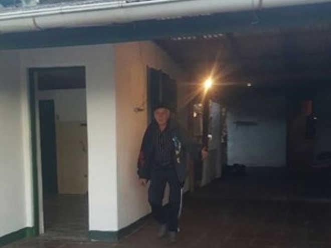 Comunidade se une e aluga casa a uruguaio que perdeu trailer e teve cães mortos em Gravataí, RS