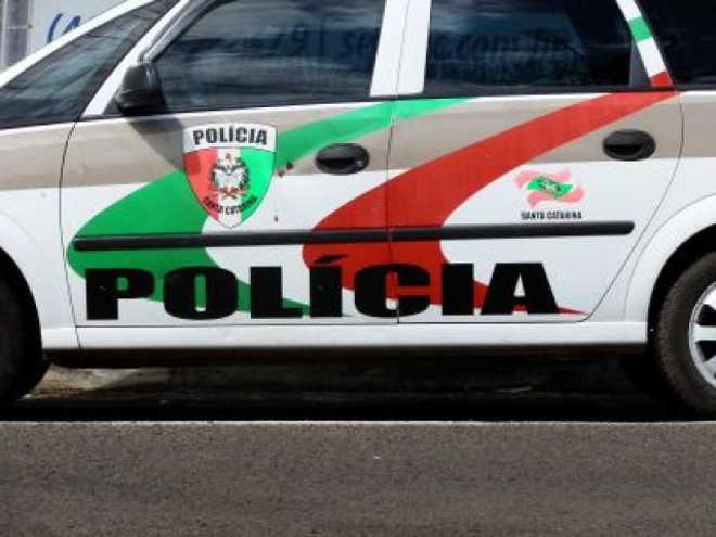 Moradora acusa motorista de atropelar seu cachorro de estimação em Concórdia, SC