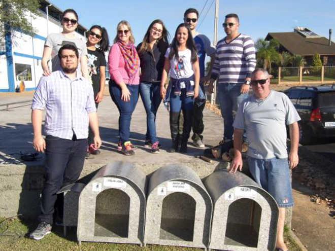 Cães de ruas ganham as primeiras casinhas do projeto Patas Felizes em Nova Veneza, SC