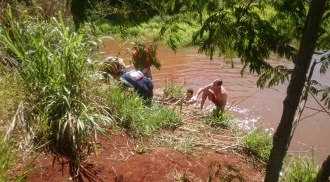 Homem pula em córrego para salvar cachorro e morre afogado em Sarandi, PR