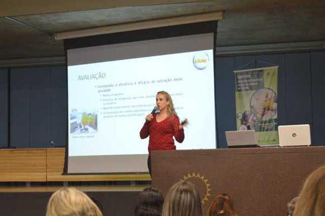 Professora palestra em SP sobre uso de animais em ensino