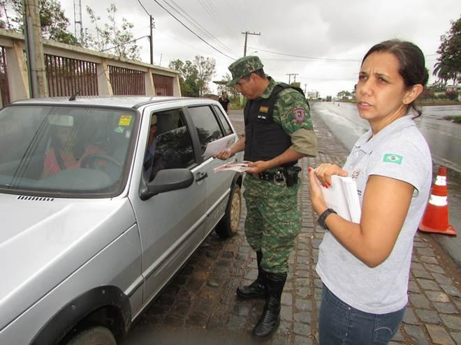 Blitz preventiva alerta sobre tráfico de animais em Montes Claros, MG
