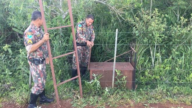 Caçadores fogem da PMA e abandonam armadilha de caça de animais próximo a Ponte do Rio Dourados
