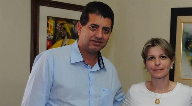 Vereadora e deputado querem 'castramóvel' para animais de rua em Londrina, PR