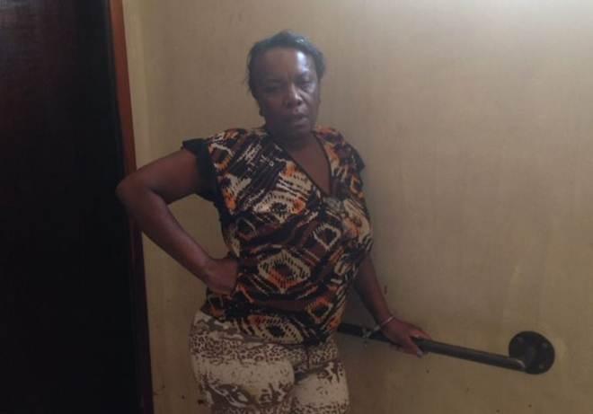 Mulher vai presa após jogar cachorro por cima do muro em Apucarana, PR