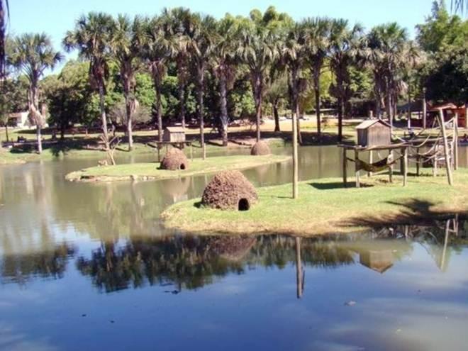 Polícia investiga denúncia de sequestro de animais no Zoológico de Goiânia, GO