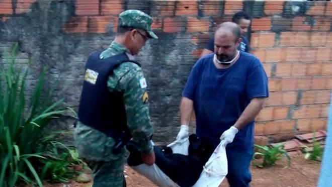 Morre cadela que foi agredida a pauladas e golpes de faca em Araguari, MG