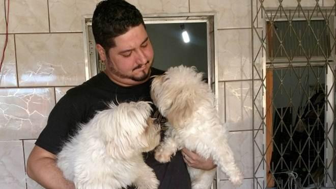 ONG resgatou quatro cachorros na casa do sequestrador de Thifany em Acari, no Rio