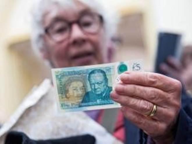 """O Banco de Inglaterra pressionado responde que notas """"animal free"""" só em 2020"""