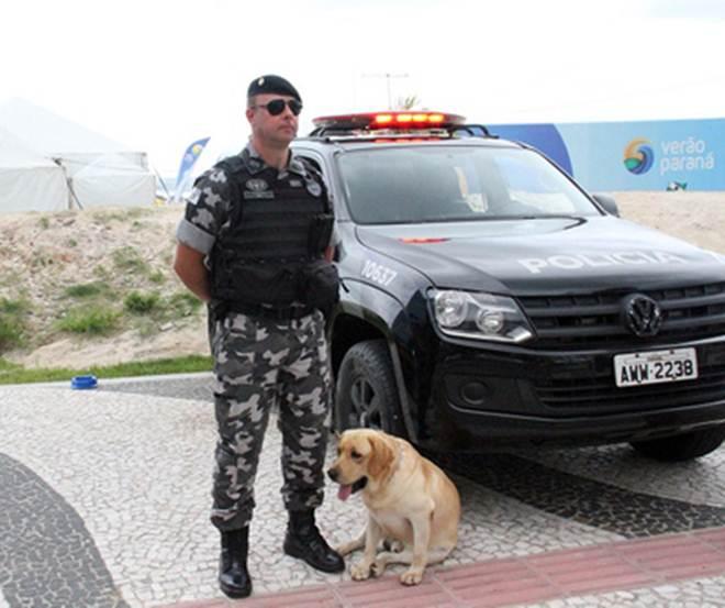 Blitz orienta população sobre transporte e cuidados com animais de estimação em Matinhos, PR