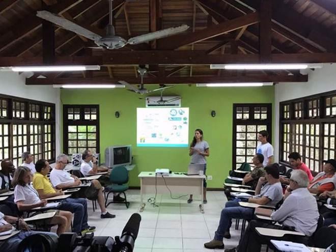 Prefeituras do Paraná também devem atuar no resgate de animais marinhos