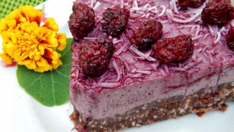 Torta com creme de frutas vermelhas