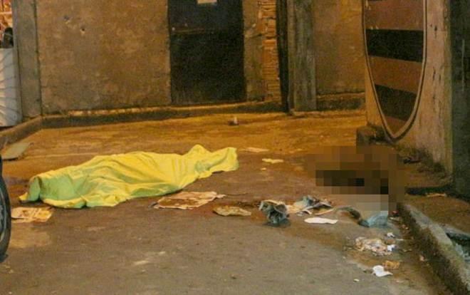 Encapuzados matam cachorro a tiros após triplo homicídio no Morro da Liberdade em Manaus, AM