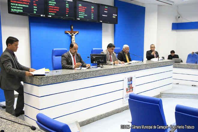 Câmara discute cuidados com os animais em Camaçari, BA
