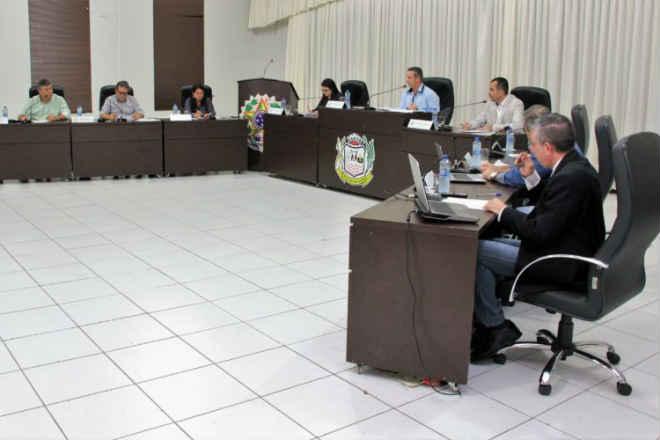 Vereadores aprovam projeto e garantem a alimentação dos animais da ONG Alpatas, em Lucas do Rio Verde, MT