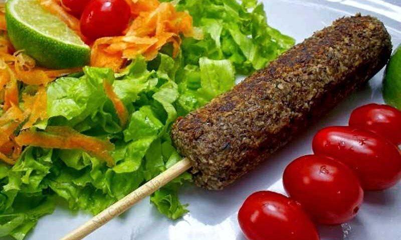 Kafta de carne de couve-flor e nozes