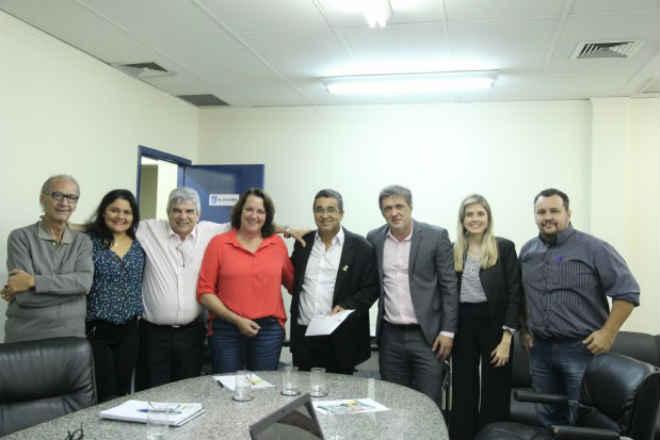 Comissão debate microchipagem e castração de animais domésticos em Campo Grande, MS