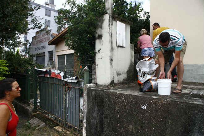 Protetores se revezam em defesa dos animais em Campinas, SP