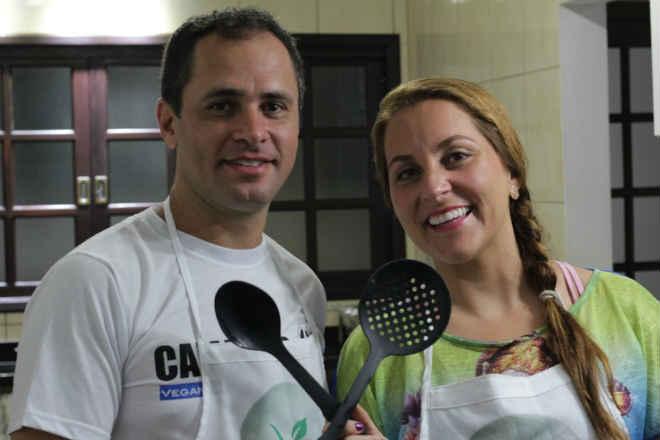 Casal de Jacareí (SP) cria canal para divulgar receitas veganas na web
