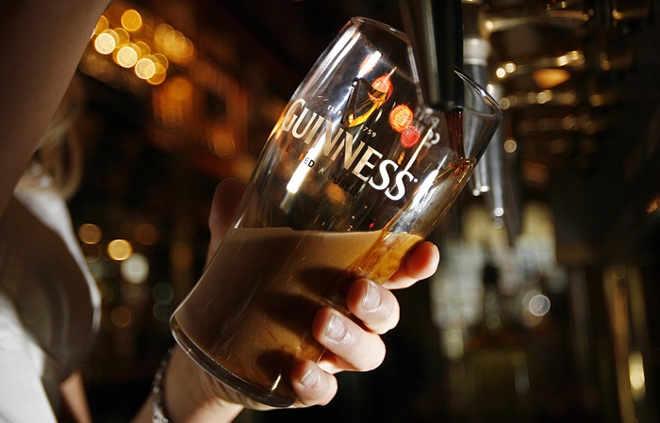 Guinness altera receita e inicia produção de cerveja vegana