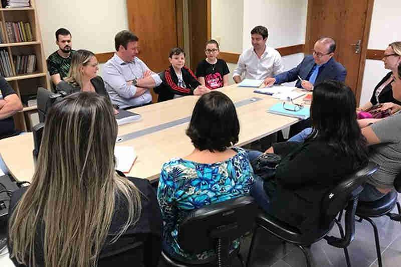 Grupo se reúne na primeira quinzena de dezembro para criar um calendário de atividades (Foto: Adriene Antunes/Prefeitura de Venâncio Aires)