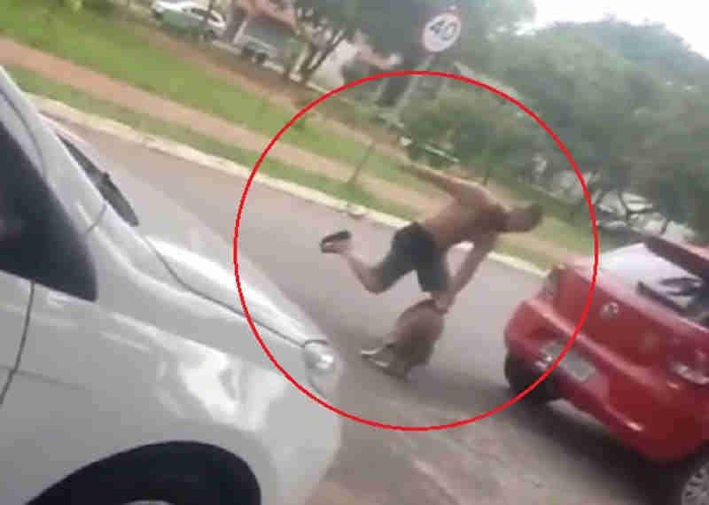 Homem é flagrado em vídeo agredindo cachorro em Goiânia, GO