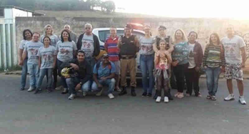 Polícia Militar e Projeto Cão Comunitário arrecadam donativos para o Bazar do Bem em Conselheiro Lafaiete, MG