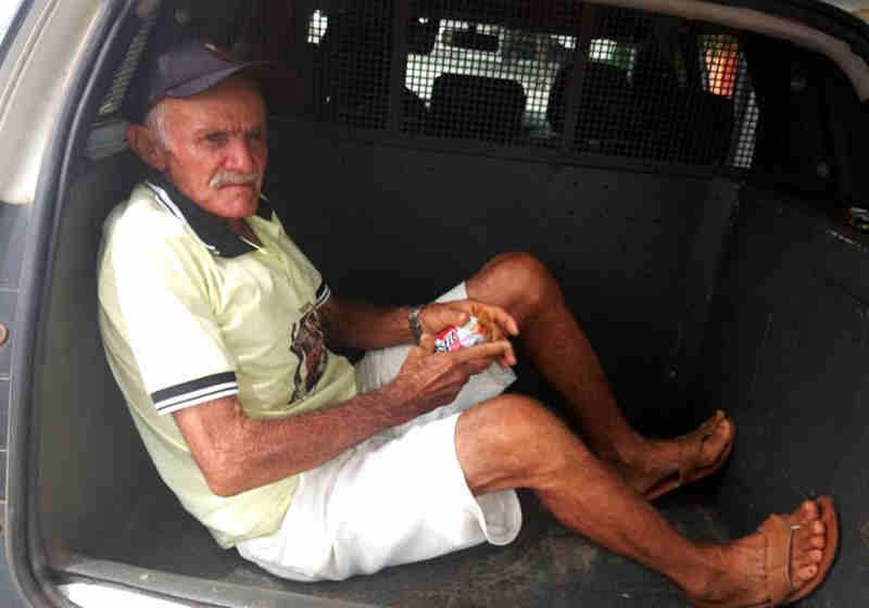 Idoso é preso acusado de estuprar cadelas em Janduís, RN