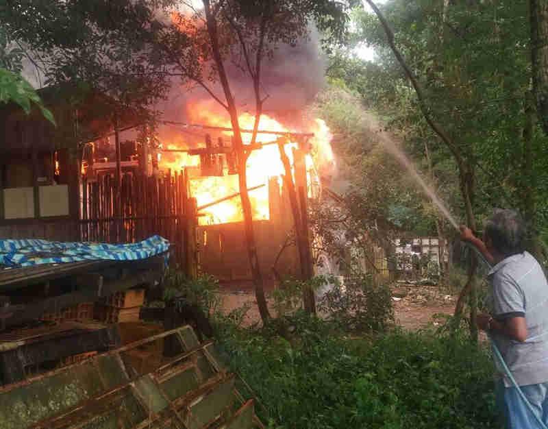 Vizinhos ajudaram a conter as chamas em São Roque (Foto: São Roque Notícias/Arquivo pessoal)