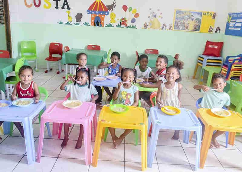 Veganos do Sertão: cidades baianas retiram proteína animal da merenda escolar