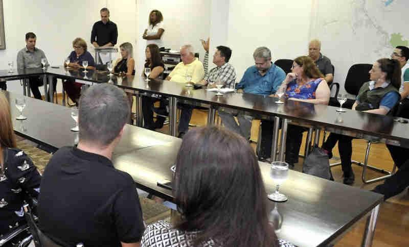 Prefeito empossa primeiro Conselho Municipal de Proteção dos Animais em Juiz de Fora, MG