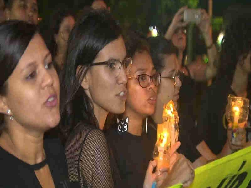 Grupo de protetores fazem vigília em Campina Grande em protesto às mortes de cães em Igaracy, PB
