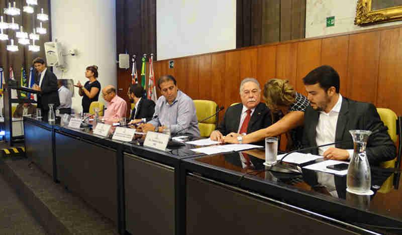 Projeto que proíbe a fabricação e comercialização de fogos é discutido na Câmara de SP