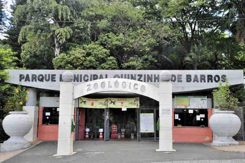 Zoológico de Sorocaba (SP) é alvo de denúncias de maus-tratos