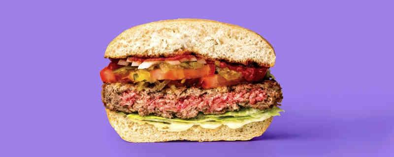 Carne que não é feita de animais ganha registro e está perto de ser vendida